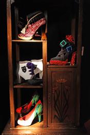 Exposición de zapatos de cine en Madrid