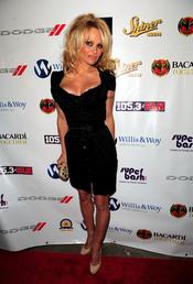 Pamela Anderson en una de las fiestas previas al final de la Super Bowl 2011