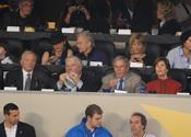 El expresidente de EEUU, George W. Bush, junto a su esposa Laura en la Superbowl