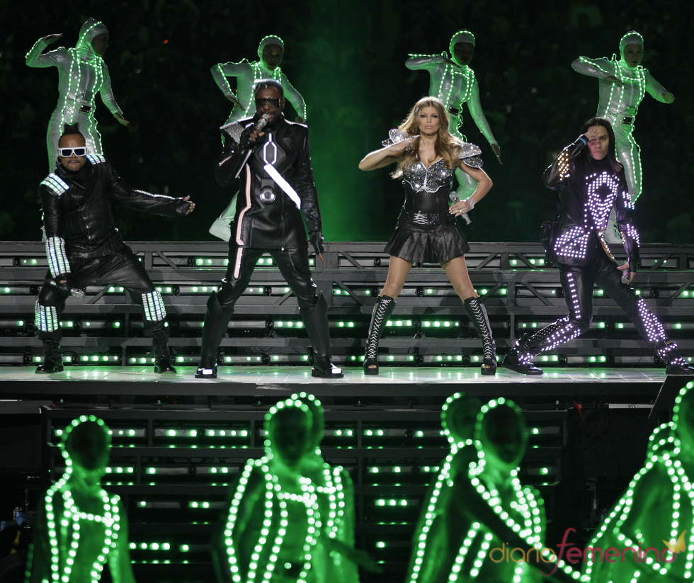 Espectacular actuación de los Black Eyed Peas en la Superbowl