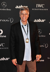 El nadador olímpico Mark Spitz en la Laureus Welcome Party