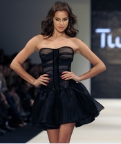 Irina Shayk en la Semana de la Moda de Estambul