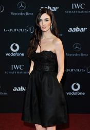 Paz Vega en la alfombra roja de los Premios Laureus 2011