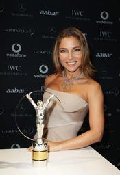Elsa Pataky con el Premio Laureus 2011
