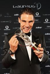 Rafa Nadal muerde el Premio Laureus 2011
