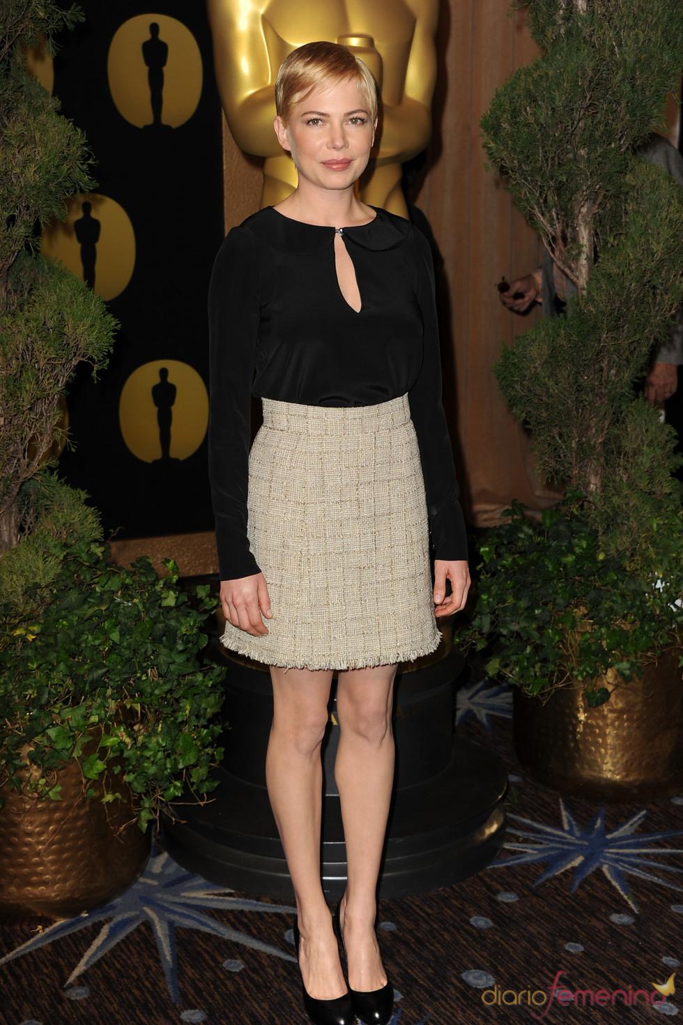 Michelle Williams en el almuerzo de los nominados a los Oscar 2011