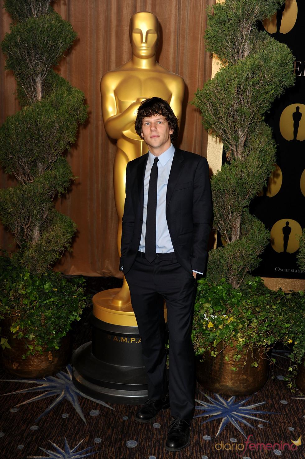 Jesse Eisenberg en el almuerzo de los nominados a los Oscar 2011