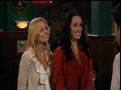 Katy Perry junto a Jennifer Morrison en 'Cómo conocí a vuestra madre'