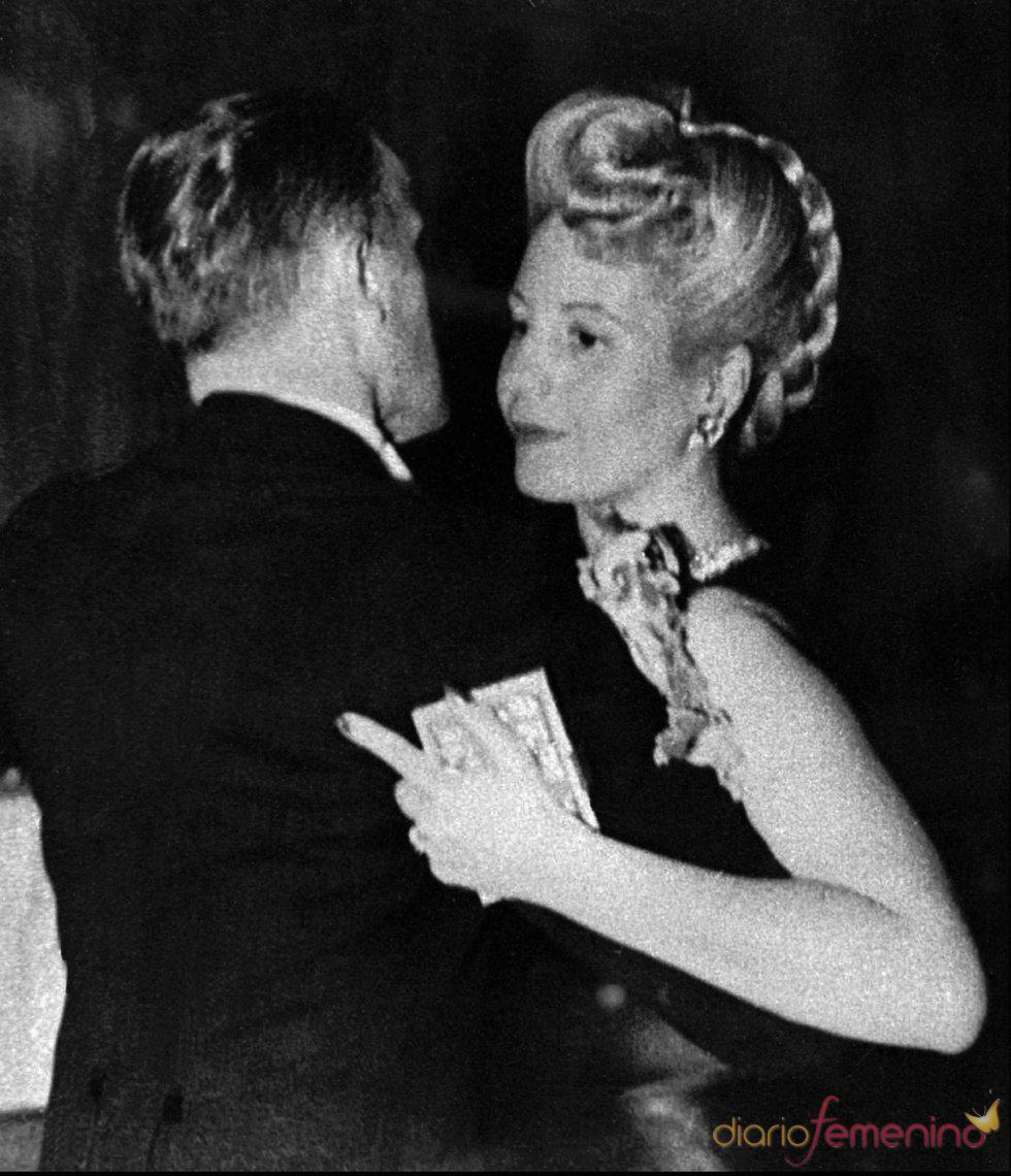 Eva Perón junto a su marido Juan