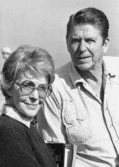 Nancy Reagan y su marido el Presidente Ronald Reagan