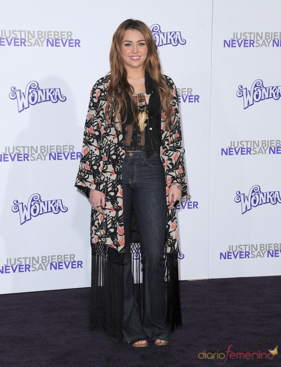 Miley Cyrus en la premier de la película de Justin Bieber