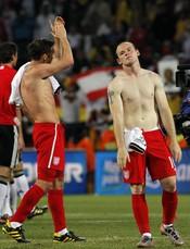 Jugadores de la selección inglesa después de perder contra Alemania