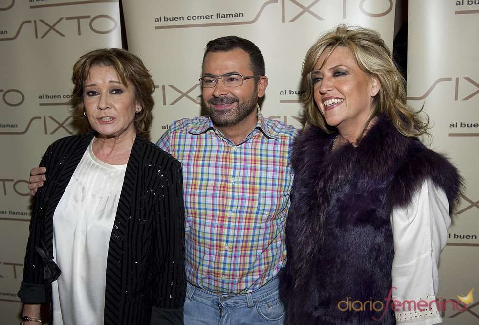 Jorge Javier, Lidia Lozano y Mila Ximenez en los Premios Estrella de la Prensa 2011