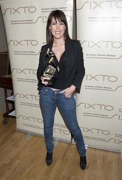 Mabel Lozano con su premio Estrella de la Prensa 2011