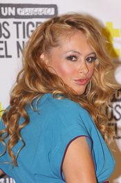 Paulina Rubio, radiante, en el unplugged de la MTV de 'Los Tigres del Norte'