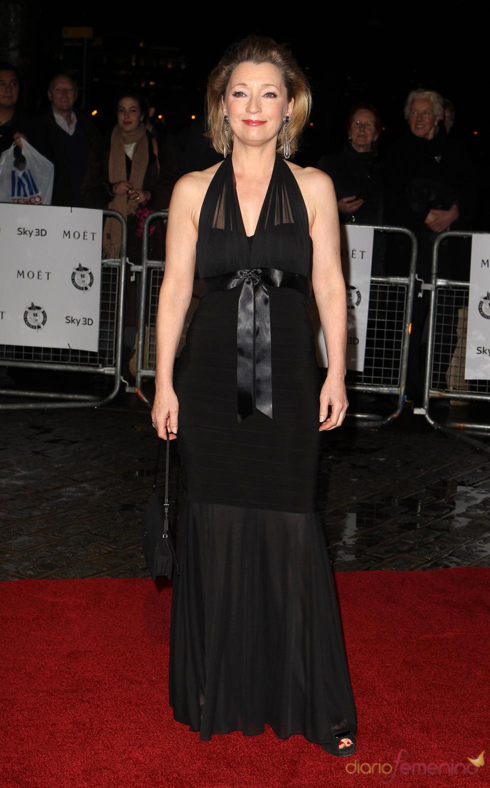 Lesley Manville en los Premios de la Crítica de Londres 2011