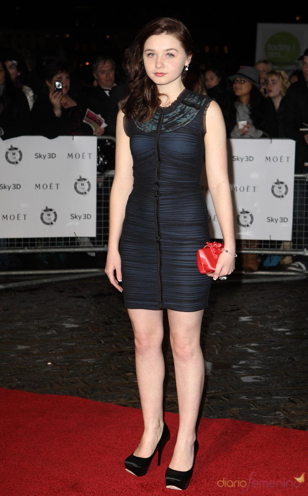 Jessica Barden en los premios de la Crítica de Londres 2011
