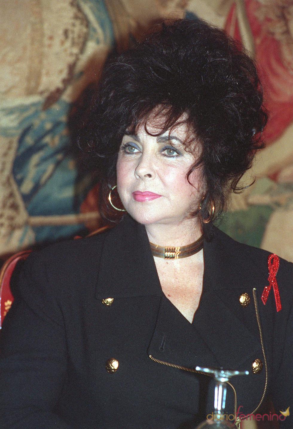 Elizabeth Taylor en estado grave
