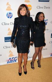 Whitney Houston en la fiesta previa a los Grammy 2011