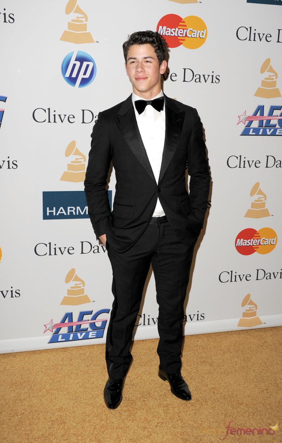 Nick Jonas en la fiesta previa a los Grammy 2011