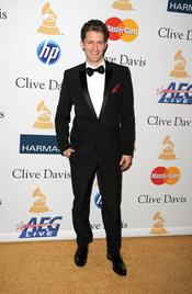 Matthew Morrison en la fiesta previa a los Grammy 2011