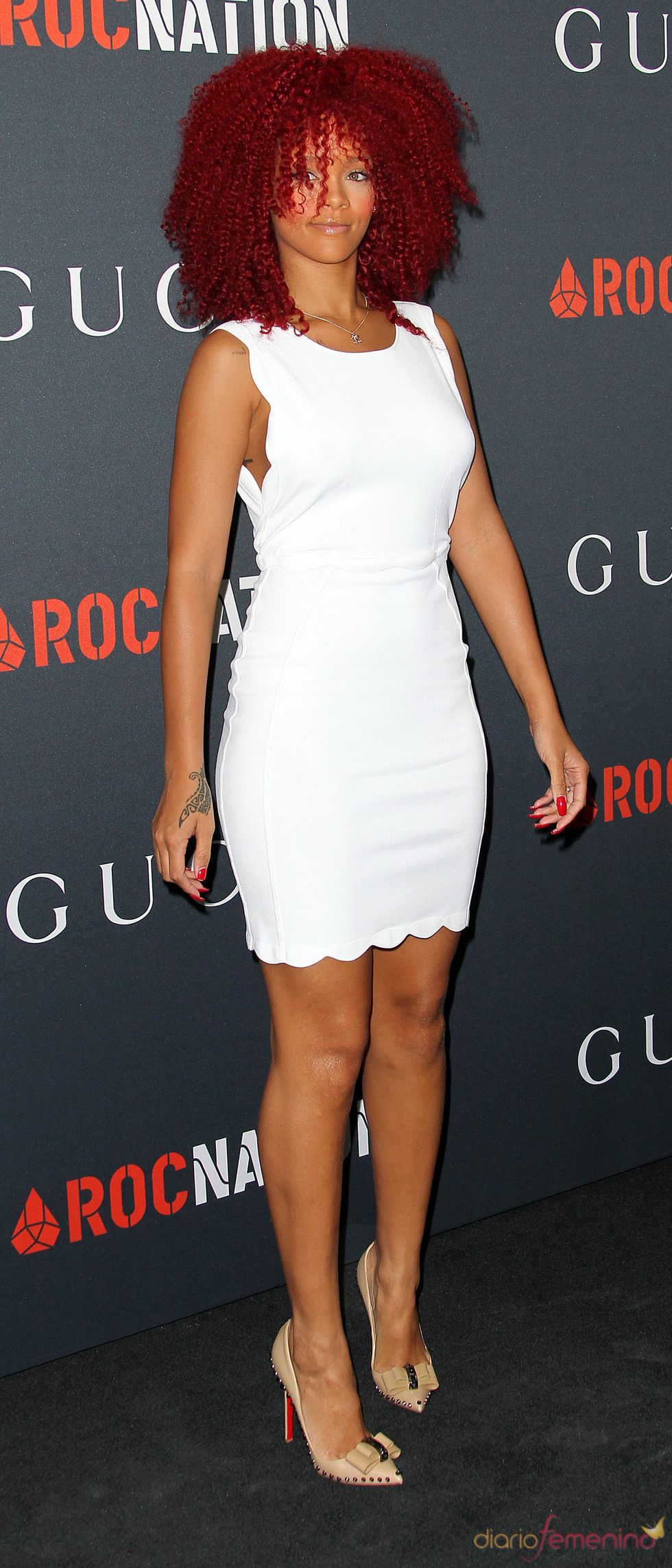 Rihanna en una fiesta previa a la gala de los Grammy 2011
