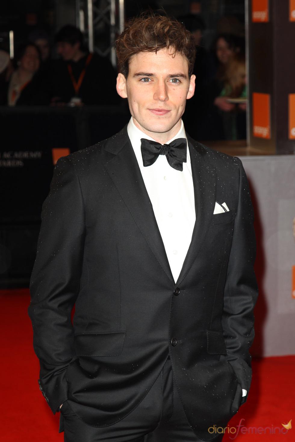 Sam Claflin en la alfombra roja de los Bafta 2011