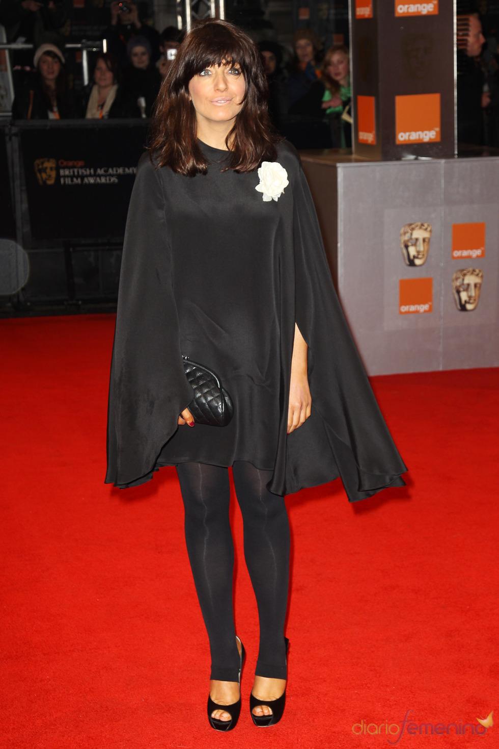 La presentadora Claudia Winkleman en la alfombra roja de los Bafta 2011