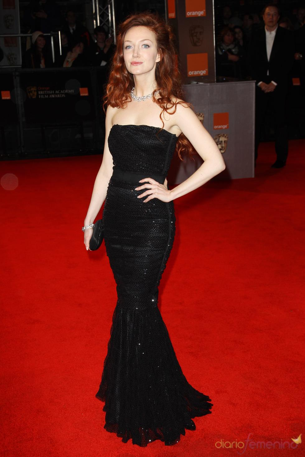 Olivia Grant en la alfombra roja de los Bafta 2011