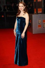 Julianne Moore en la alfombra roja de los Bafta 2011