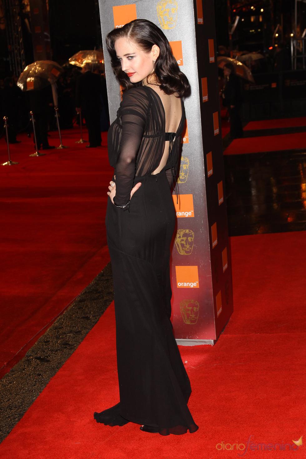 Eva Green en la alfombra roja de los Bafta 2011