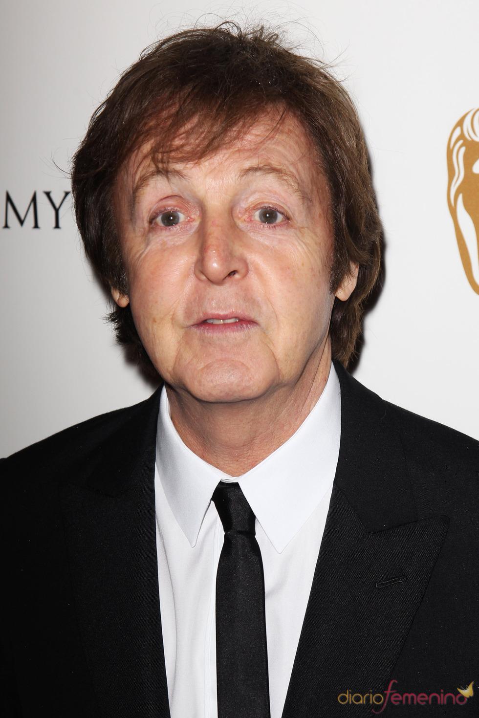Paul McCartney en la alfombra roja de los Bafta 2011