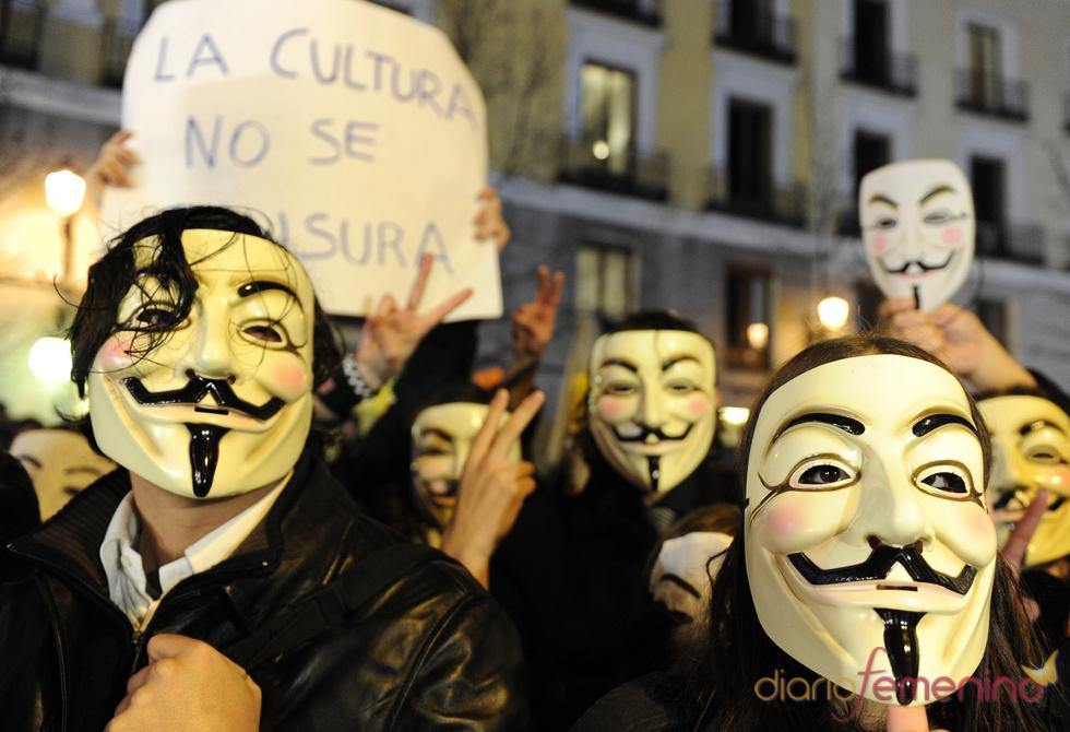 Protestas contra la Ley Sinde en la gala de los Goya 2011, Twitter y Facebook