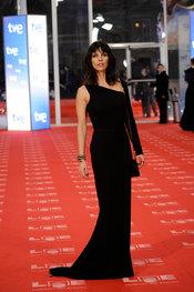 Maribel Verdú en la alfombra roja de los Goya 2011