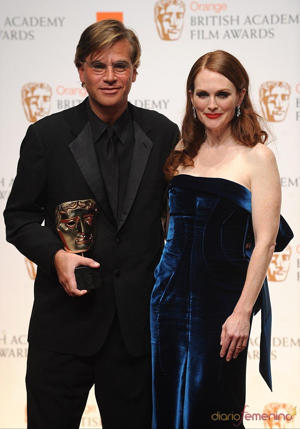 Aaron Sorkin, mejor guión adaptado por 'La red social'. Bafta 2011