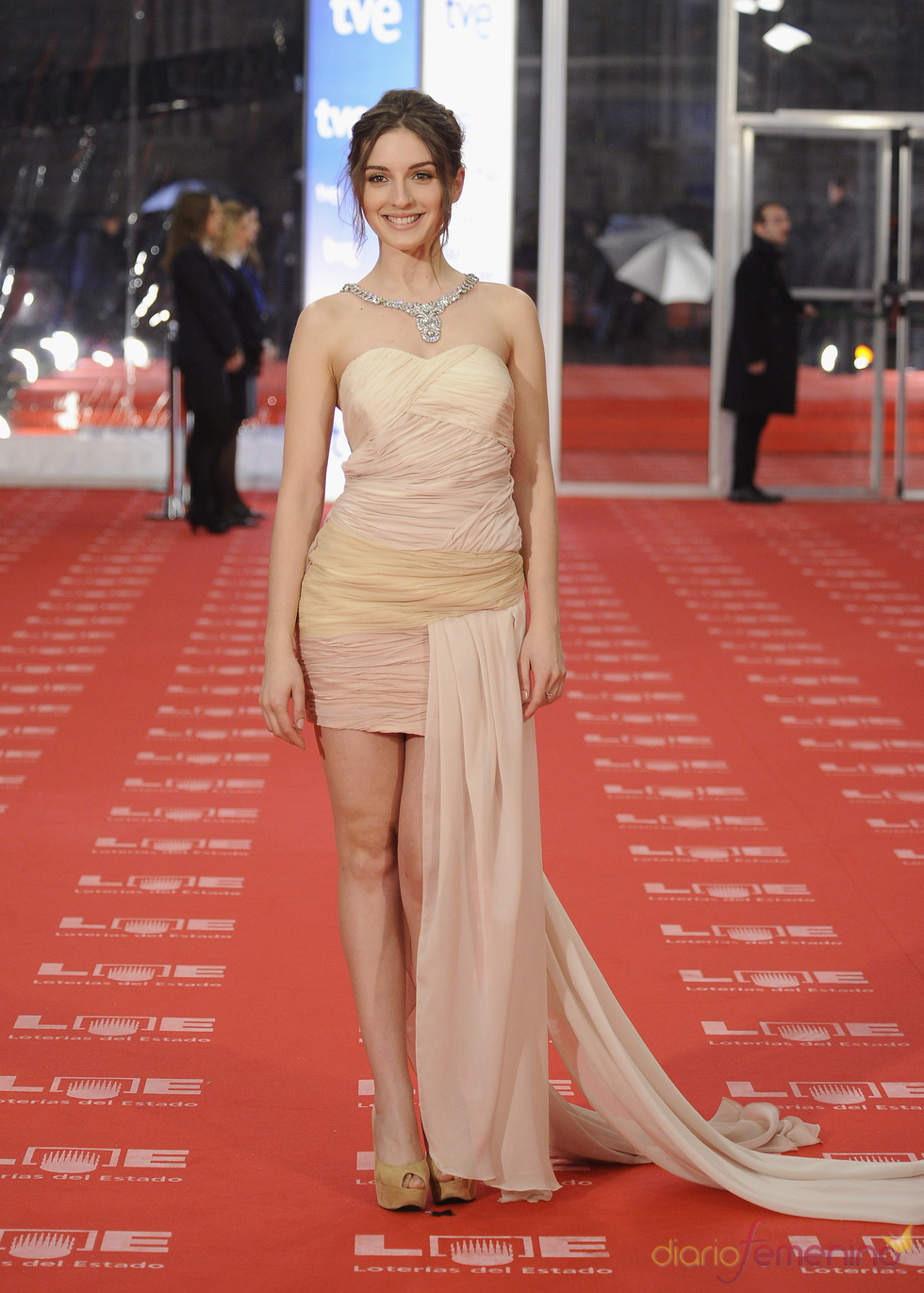 María Valverde en la alfombra roja de los Goya 2011