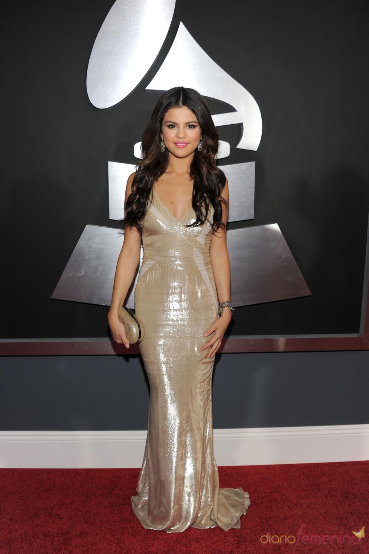 Selena Gomez en los Grammy 2011