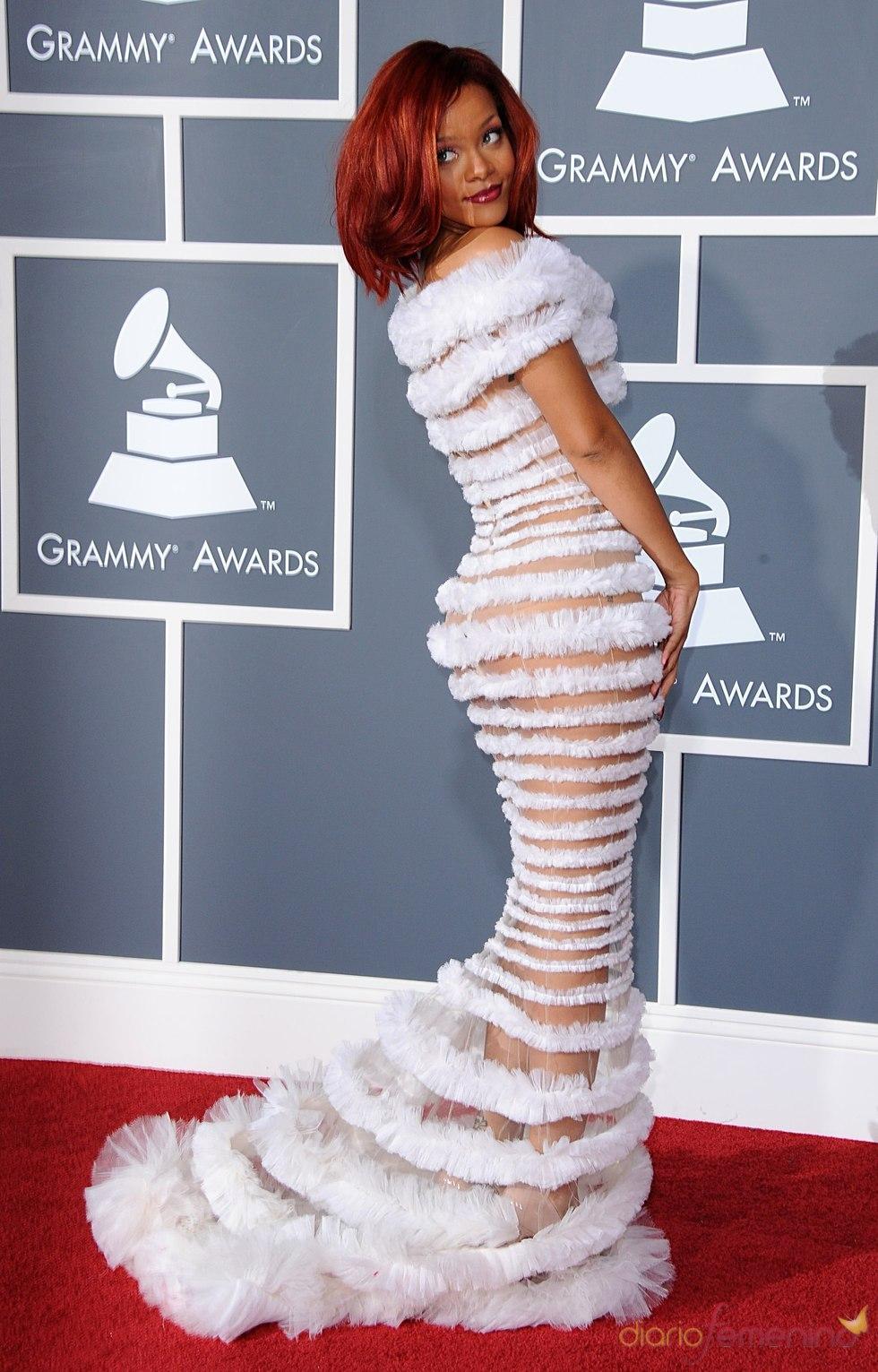 Rihanna en los Grammy 2011