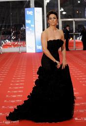 Isabel Serrano en la alfombra roja de los Goya 2011