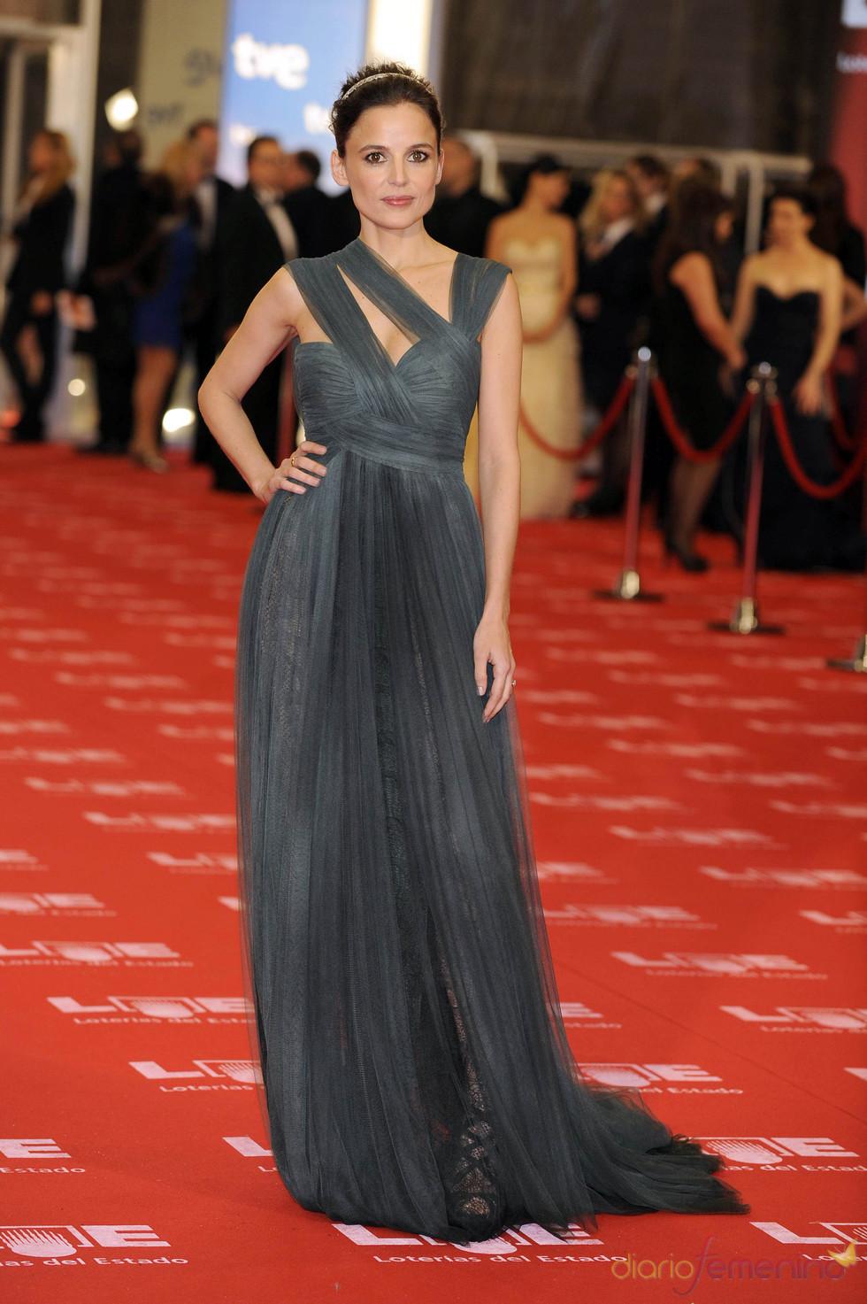 Elena Anaya en la alfombra roja de los Goya 2011