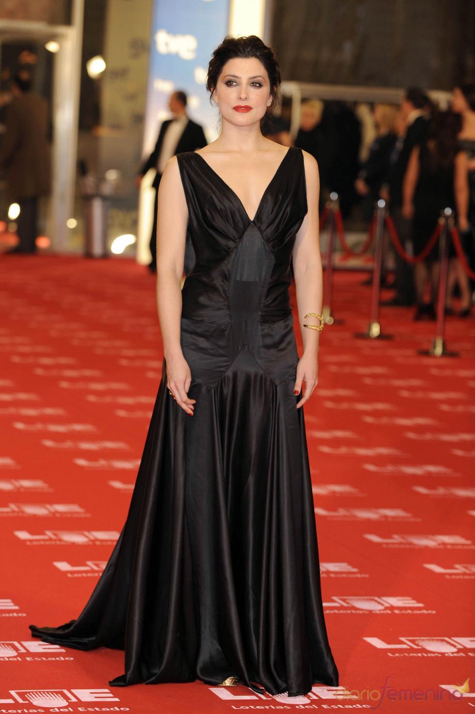 Bárbara Lennie en la alfombra roja de los Goya 2011