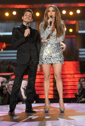 Jennifer López y Marc Anthony cantan en los Grammy 2011