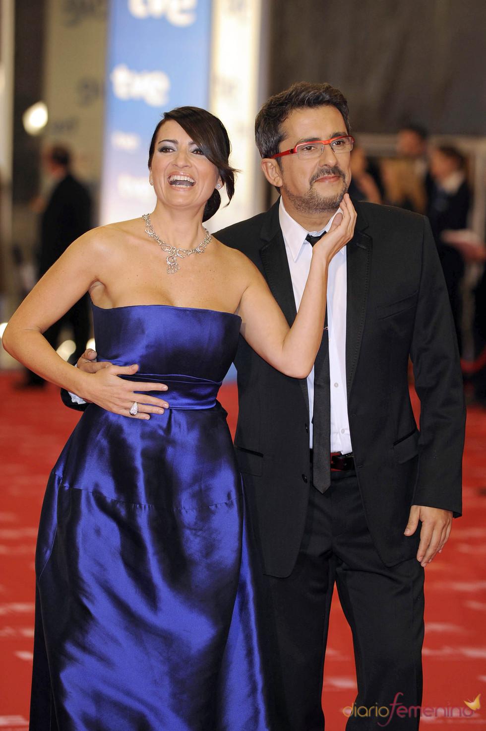 Buenafuente y Silvia Abril en la alfombra roja de los Goya 2011