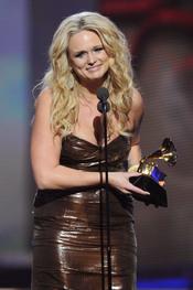 Miranda Lambert recoge su gramófono en los Grammy 2011