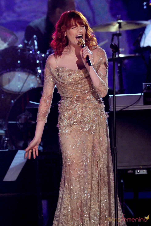 Florence Welch en los Grammy 2011