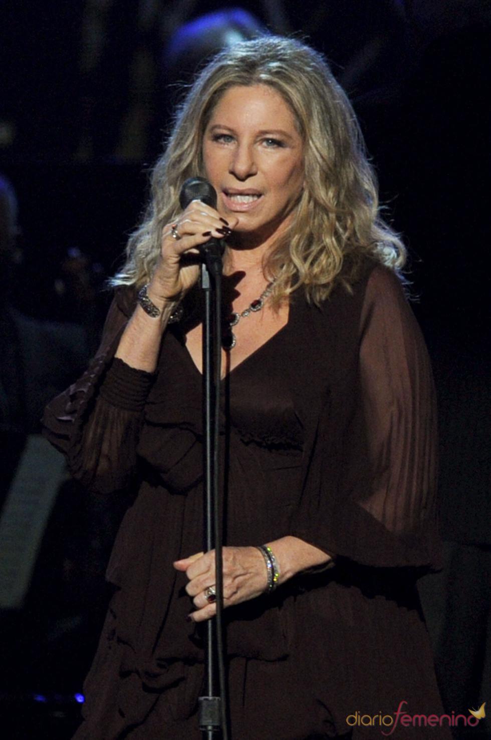 Barbra Streisand en los Grammy 2011