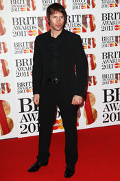James Blunt en la alfombra roja de los Brit Awards 2011
