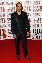 Lewis Hamilton en los Brit Awards 2011
