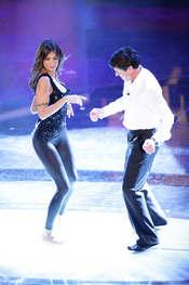 Elisabetta Canalis baila en el Festival de San Remo