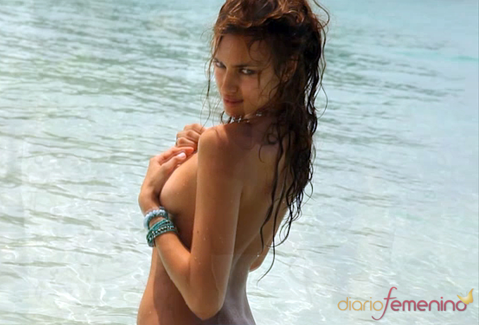 Irina Shayk tapa sus encantos